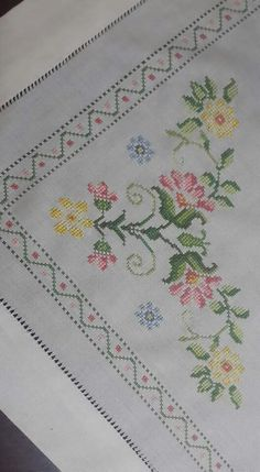 This post was discovered by HU Hand Embroidery, Embroidery Designs, Embroidery Stitches, Little Stitch, Cross Stitch Heart, Bargello, Table Covers, Needlepoint, Cross Stitch Patterns