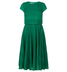 A simple style statement. In a striking green hue ' the colour of the season ' the Kiona dress is sure to make an entran. 1950s Inspired Fashion, 1940s Fashion, Flower Girl Outfits, 1940s Outfits, Cut Clothes, Groom Outfit, Womens Fashion Online, Bridal Dresses, Dresses Dresses