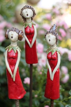 Whish you the best. Rock Crafts, Clay Crafts, Diy And Crafts, Paper Clay, Clay Art, Ceramic Pottery, Ceramic Art, Ceramic Figures, Garden Statues