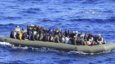 Italia rescata a más de 2.500 inmigrantes en el mar en las últimas horas - http://notimundo.com.mx/mundo/italia-rescata-a-mas-de-2-500-inmigrantes-en-el-mar-en-las-ultimas-horas-563