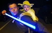 Train you must. Jedi father & Yoda son for Halloween Primer Halloween, First Halloween Costumes, Baby First Halloween, Halloween Fun, Father Son Costumes, Family Halloween, Geek Toys, Lolita, Halloween Disfraces