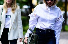 Bolso y mochilas de Revolve Clothing http://stylelovely.com/revolveclothing/2016/10/06/mochilas-y-maxi-bolsos-para-working-girls/