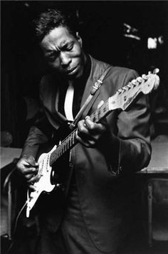 Buddy Guy 1965... Feels at home here, tho' not a jazzer per se....