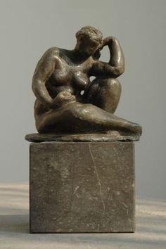Charlotte Dorothée van Pallandt Arnhem 1898-1997 Noordwijk Zittende figuur met appel, lood 12 x 12,5 cm., gesigneerd op basis en te dateren 1952