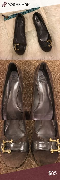 🆕Tory Burch Suede/Leather Gold Toggle Flats Suede flats with leather strip and gold toggle on top. Heel in great condition; wear on the bottom as pictures. Comes w dust bag. No box. Tory Burch Shoes Flats & Loafers