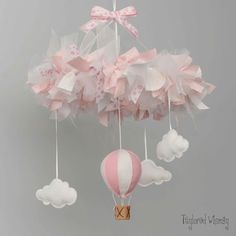 Hot Air Balloon Mobile Baby Mobile Custom Baby by TayloredWhimsy Baby Crafts, Felt Crafts, Diy And Crafts, Diy For Kids, Crafts For Kids, Baby Couture, Air Balloon, Baby Shower Parties, Projects To Try