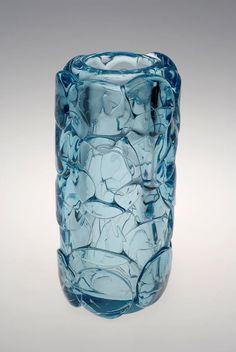 frantizek vízner 1978 Glass Art Design, Art Of Glass, Glass Vase, Beauty Magic, Glass Collection, Antique Glass, Mid Century Design, Czech Glass, Fused Glass