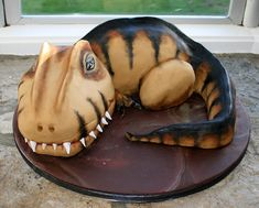 Zucchini cake with pine nuts - Clean Eating Snacks T Rex Cake, Dino Cake, Dinasour Cake, Festa Jurassic Park, Dinosaur Birthday Cakes, 3rd Birthday, Star Cakes, Apple Cake Recipes, Zucchini Cake