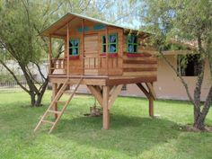 colecciones animales de madera y casitas - Buscar con Google Cubby Houses, Play Houses, Backyard Projects, Outdoor Projects, Tree House Plans, Woodland House, Wendy House, Diy Playhouse, Tiny House Cabin