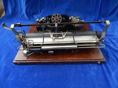 ANCIENNE SUPERBE MACHINE A ECRIRE / Old typewriter - 8 DACTYLE - RARE ! TOP !