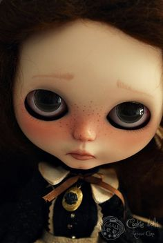 """The sad girl """"Valentine Ludoó""""    Piece unique realized by Rebeca Cano """"Cookie dolls""""  OOAK Custom blythe doll  https://www.facebook.com/CookieDolls    2010 © All rights reserved"""