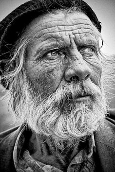 Amazing black and white portrait men. Old Man Portrait, Foto Portrait, Portrait Photography, People Photography, Photography Ideas, Black And White Portraits, Black And White Photography, Fotografie Portraits, Old Man Face