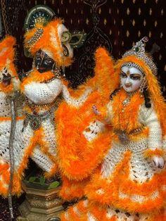 जय श्री राधे कृष्णा जय श्री कृष्णा कान्हा बाँके बिहारी जय श्री राधे श्याम भगवत गीता जय श्री राम जय हनुमान हर हर महादेव महाकाल हरे कृष्णा हरे रामा गोविंद गोपाला Jai Shree Radhe Krishna Jai shree Krishna Jai shree Radhe shyam bhagavad gita Jai shree Ram Jai Hanuman Har Har Mahadev mahakal Hare Krishna Hare Rama govind gopala शिवशंकर shiv shankar भोलेनाथ लडडू गोपाल Laddu gopal Hari हरि#Radhekrishna  #Vrindavan #Krishna #radheradhe #khatushyamji #khatulistiwa #hindu #hindu #ram #shreeram Radha Krishna Love, Radhe Krishna, Lord Krishna, Bhagavad Gita, World Cultures, Pikachu, Halloween, Spooky Halloween