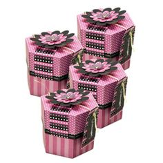 Fight Like A Girl cupcake boxes from signifypink.com