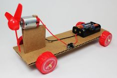 Learn how to make a simple electric propeller car using basic parts and some creativity. This project is great for a makerspace, STEM or science fair project. DC motor, battery and switch. Stem Fair Projects, Kids Science Fair Projects, Science For Kids, Science Tools, Science Worksheets, Life Science, Science Electricity, Robots For Kids, Diy Car