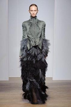 Yiqing Yin Haute Couture F / W 2013-14