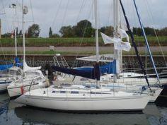 Elan 331 - € 28.500 - Boot details | YachtFocus.com