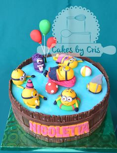 minion in swimmingpool cakes - Google zoeken