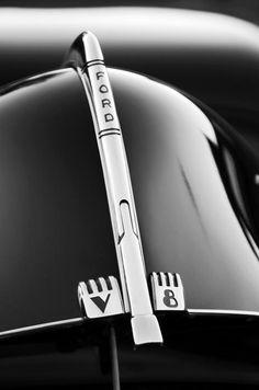 1940 #Ford #V8 #ClassicCar QuirkyRides.com