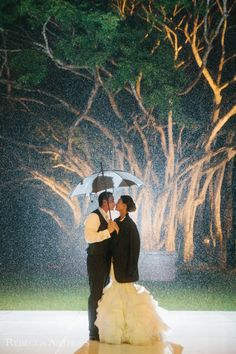 Four Seasons Lanai Hawaii Wedding by Rebecca Arthurs