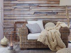 Laiisez vous séduire par le confort du fauteuil Talara, idéal pour votre salon avec sa grande surface d'assise. Avec un structure en bois massif et un cadre en koboo gris, le fauteuil Talara pourra accueillir aisément chacun de vos...