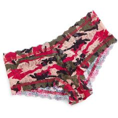 Hanky Panky Huntress Signature Camo-Print Boyshorts ($38) ❤ liked on Polyvore featuring intimates, panties, multi colors, lace lingerie, camouflage lingerie, hanky panky lingerie, lace boyshorts and boy shorts lingerie