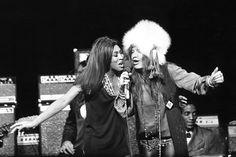 Pictures Of Rocks, Music Pictures, Janis Joplin, Music Studio Room, Music Album Covers, Music Aesthetic, Iconic Photos, Female Singers, Jimi Hendrix