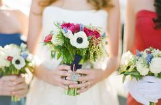 Google Image Result for http://wedding-pictures-04.onewed.com/33188/red-white-and-blue-wedding-inspiration-4th-of-july-weddings-bridal-bouquet-2.jpeg