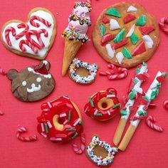 Twas the night before christmas... #handmade #cabochon #decoden #candycane #polymerclay #sculpey #fimo #resin #christmas #xmas #miniatures #santa #pocky #gingerbreadman #donuts #スイーツデコ #sugarcookie #sweetsdeco #chocolatechipcookie #kawaii #santa #clayart #icing #sculptures #handmadewithlove #charms #unreal #sweets #desserts #icecream