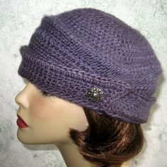 Womens Crochet Hat Pattern Vintage 1940s Style by kalliedesigns $5.99
