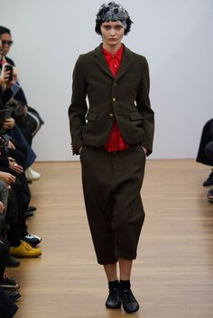 Comme des Garçons Comme des Garçons Fall 2014 Ready-to-Wear Collection Photos - Vogue