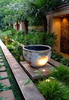 Planter above structured water feature / Jan Blok / garden design / South Africa