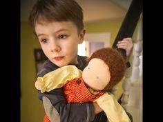 Sarah Baldwin, Waldorf educator and owner of Bella Luna Toys, discusses the benefits of doll play for boys, and shares some of her favorite handmade dolls po. Baby Boy Toys, Baby Boy Newborn, Baby Dolls, Baby Kids, Baby Boy Nursery Decor, Baby Boy Bedding, Sarah Baldwin, Baby Boy Hairstyles, Baby Boy Decorations