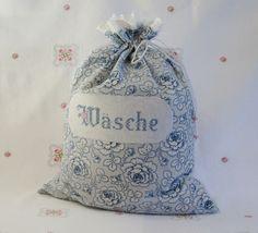 Wäschebeutel mit blauen Rosen, Stickerei & Spitze von Barosa auf DaWanda.com