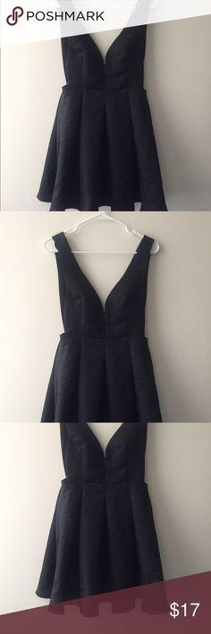 Gojane Black Pleated Dress Chic plunging open sides solid black pleated dress. Worn once. Gojane Dresses Midi