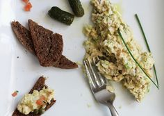 Chunky Artichoke and Chickpea Salad Recipe | Vegetarian Times
