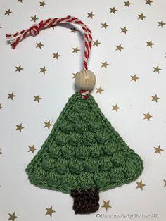 Handmade by E★: Gehaakte Kerstboom (NL-vertaling) Homemade Halloween Costumes, Halloween Costumes For Teens, Christmas Costumes, Crochet Christmas Trees, Christmas Diy, Christmas Ornaments, Xmas, Yule Crafts, Best Friend Birthday