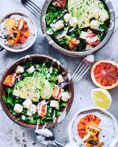 Just finished eating this raw lunch with my man. Too bad you guys couldn't taste it  Spinach radish broccoli blood orange parsley tofu and the best avocado from @exoticfruitbox. Dressing? Sweet acv eith ginger and tahini. For dessert we had some classic chia pudding with cashew milk sweetened with coconut sugar cardamon vanilla cinnamon frozen cherries on the bottom blood oranges almonds and kumaquat also from @exoticfruitbox  #whatveganseat #eeeeeats #eatclean #rawfood #thekitchn #yogafood…