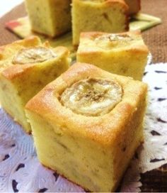 10 Minute Bakery Banana Cake Recipe - Yummy this dish is very delicous. Let's make 10 Minute Bakery Banana Cake in your home! Sweets Recipes, Cake Recipes, Cooking Recipes, Japanese Sweets, Banana Recipes, Cupcake Cakes, Bakery, Food And Drink, Favorite Recipes