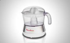 Con su jarra de 0,5 litros podrás preparar zumos para toda la familia http://www.doferta.com/exprimidor-moulinex-pc400.html