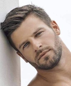 39 Modern Hairstyles Ideas For Men That You Must Try - Hairstyles for men have always seen a huge variation but in the modern times, the trend, the style, and the appeal has dramatically modified into a mo. Beard Styles For Men, Hair And Beard Styles, Hair Styles, Beautiful Men Faces, Gorgeous Men, Face Men, Handsome Faces, Facial Hair, Haircuts For Men