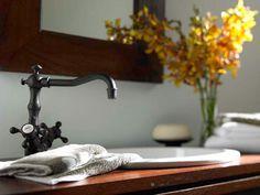 Antique Brass Bathroom Faucet Finish Styles — Brand Resort Home Ideas Antique Brass Bathroom Faucet, Black Kitchen Faucets, Brass Faucet, Contemporary Bathrooms, Modern Bathroom, Bathroom Ideas, Classic Bathroom, Bath Design, Cool Rooms