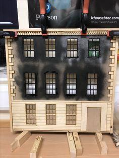DIY Dolls House (1/16 Scale). Rob