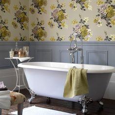 badezimmer ohne fliesen florale tapeten badewanne wandtäfelung