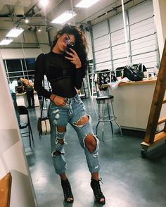 Jeans and heels Outfits mit Fersen: Süße Outfits (zerrissene Jeans) かかとの衣装:甘い衣装(破れたジーンズ) Fall Outfits, Summer Outfits, Casual Outfits, Fashion Outfits, Fashion Trends, School Outfits, Fashion Clothes, Casual Jeans, Clubbing Outfits With Jeans