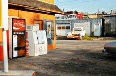 William Eggleston: Introduction to 'Ancient and Modern' Color Photography, Film Photography, Street Photography, Landscape Photography, Nature Photography, Fashion Photography, Wedding Photography, Cinematic Photography, Urban Photography