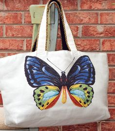 Square By Design Weekend Tote Bag // FREE pattern available exclusively at Joann.com