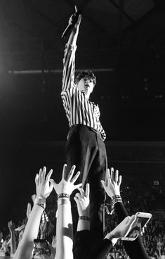 The Vamps Brad Simpson Wallpaper Black and White Vamily Night and Day Tour