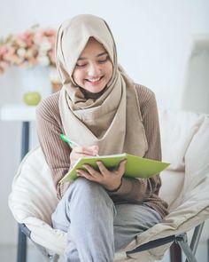 247 Best Hijab Images In 2019 Kebaya Brokat Kebaya Lace Kebaya