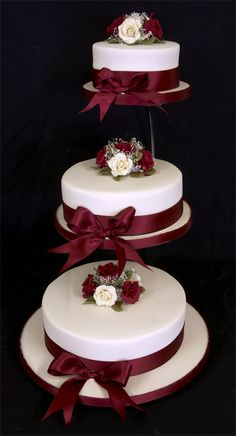 cake stands for wedding cakes - Buscar con Google